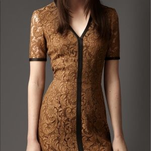 Burberry knee-length dress in Khaki lace